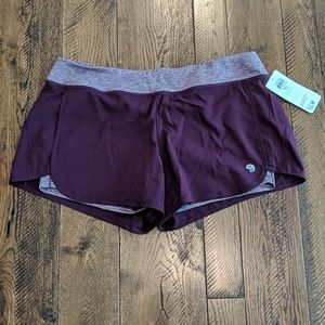 NWT Mountain Hardware athletic shorts size XL
